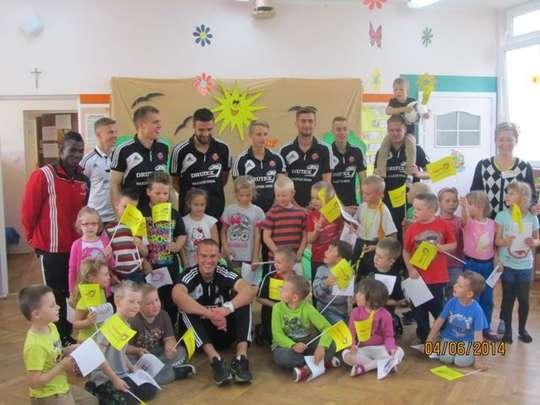 Piłkarze Drutex Bytovii w Przedszkolu