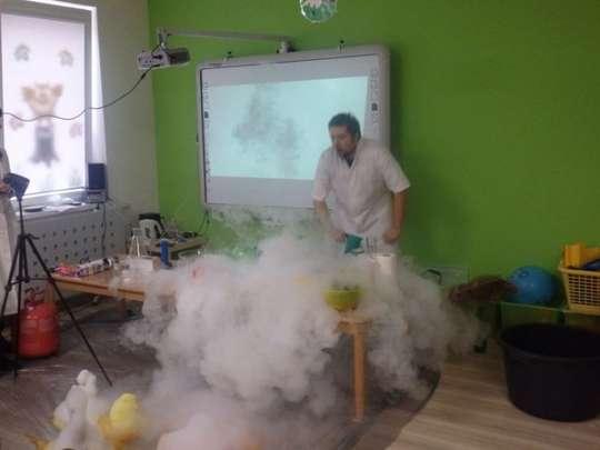 Naukowe ekperymenty fizyczno-chemiczne