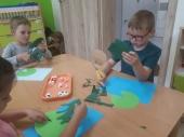Żabki - doskonalenie sprawności nmanualnej oraz wyobraźni dzieci - Słoneczka